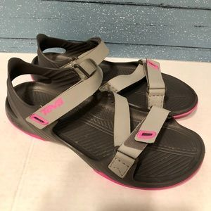 Teva Sandals Size 10 gray/ Pink